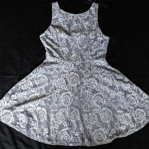 $48 NEW W/T DRESS LACE GIRL SIZE L